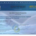 U-K Tkanki miekkie wokol implantu
